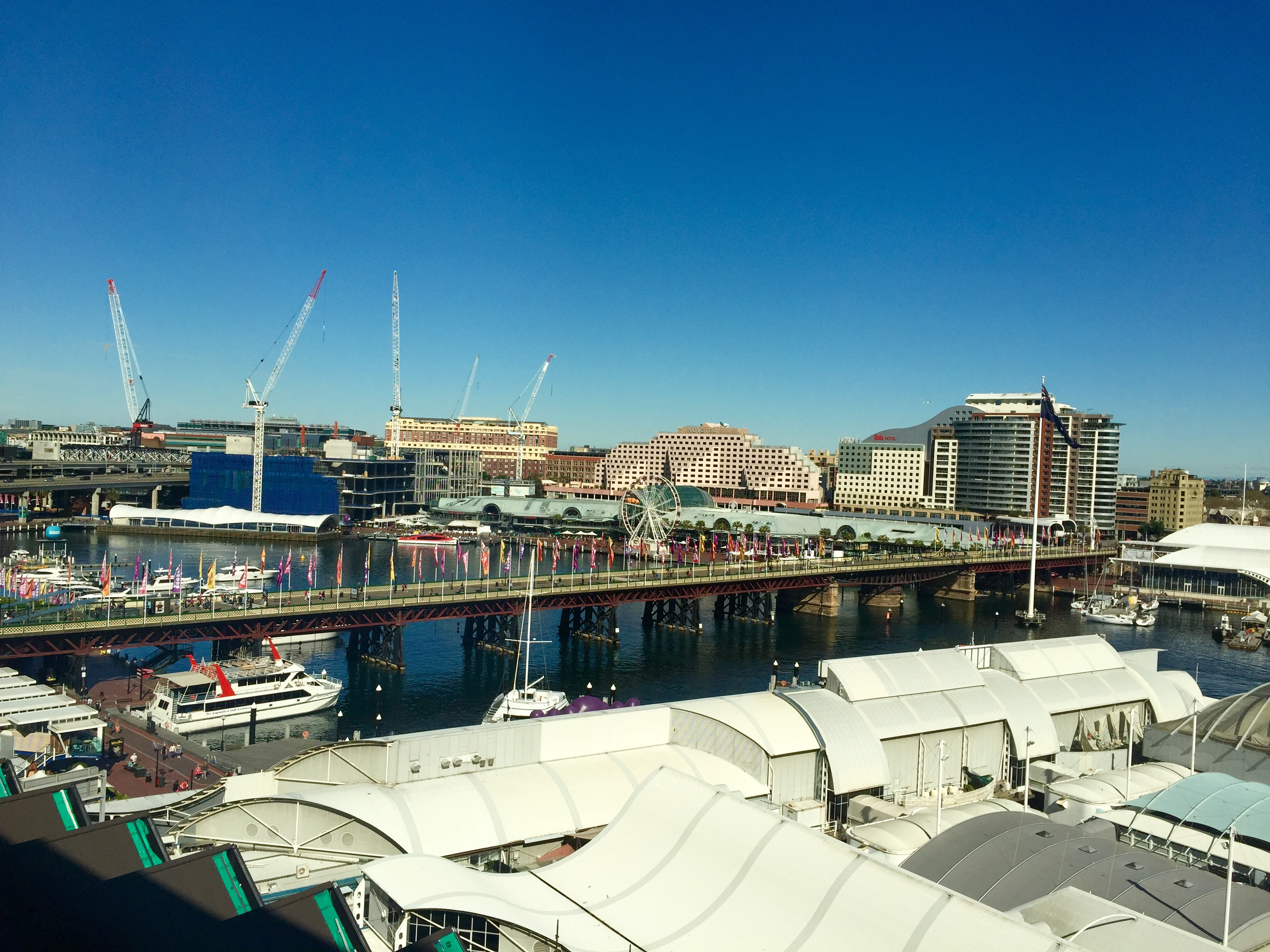 Pyrmont Bridge, as seen from the Four Points Sheraton Hotel